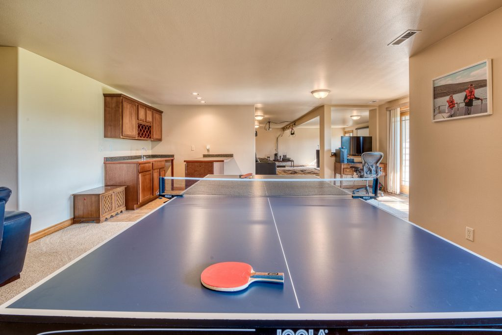 5 Budget Ping Pong Tables Under 500 Dollars - Money-Saving Fun for the Whole Family