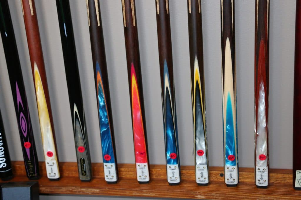 8 Best Pool Cues for Beginners and Professional Players