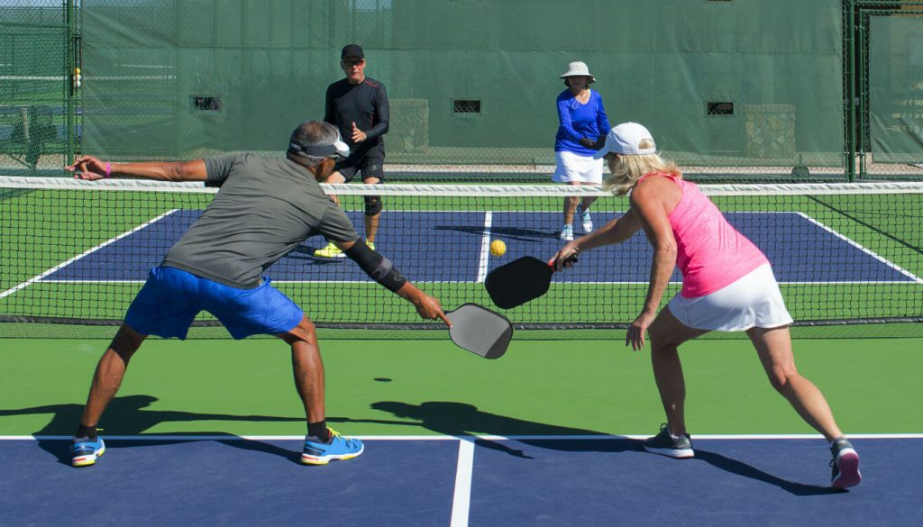 6 Best Pickleball Paddles for Beginners — Get Started with Quality Equipment!