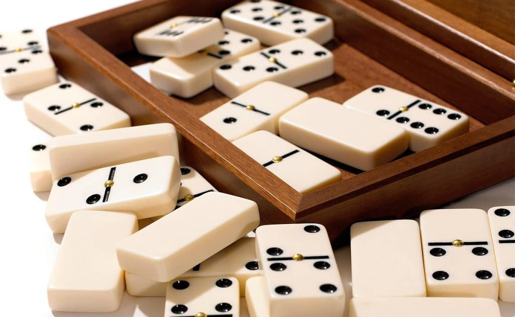 5 Best Dominoes Sets - Affordable Fun for Everyone