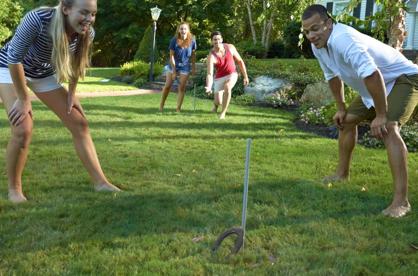 5 Greatest Horseshoe Sets – Good Old Game Right at Your Backyard!