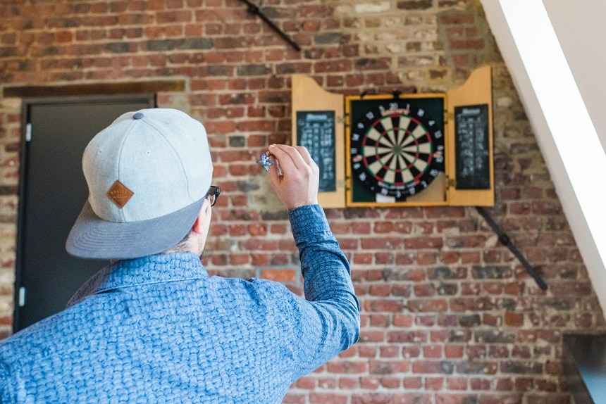 How to Hold a Dart and Improve Your Throw: A Beginner's Guide