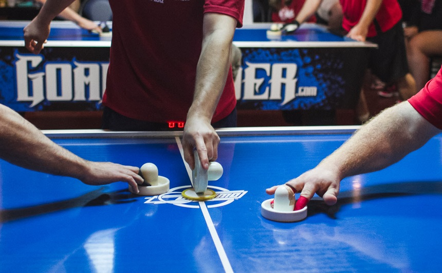 Air Hockey Strategies: Offensive and Defensive Tactics Explained